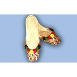 Handmade Multi Thread Punjabi Jutti